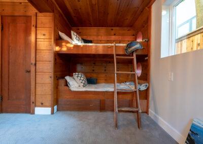 Downstairs Bedroom bunk beds closeup